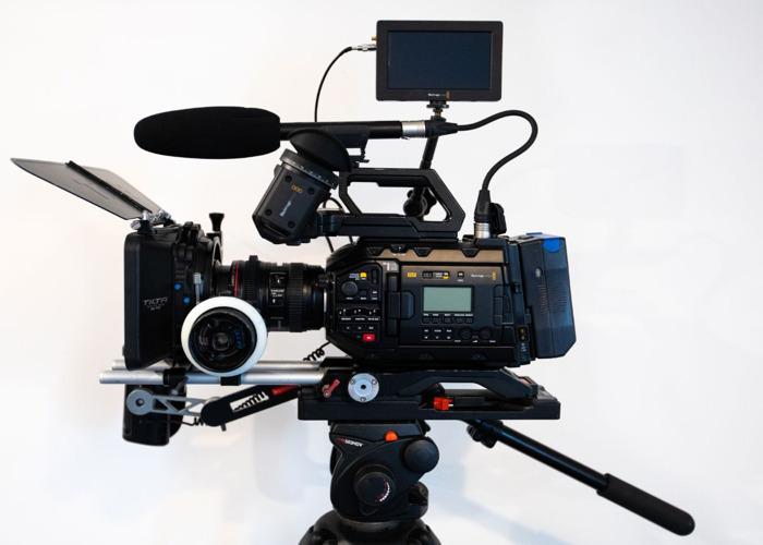 Blackmagic URSA mini Pro G2 shooting kit - 1
