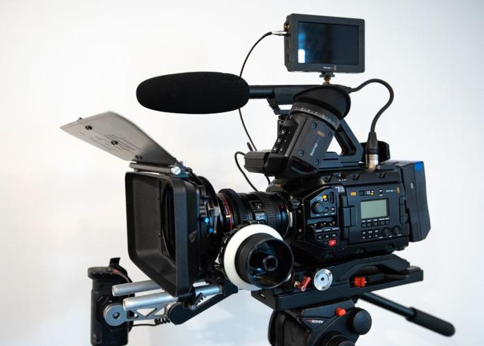 Blackmagic URSA mini Pro G2 shooting kit - 2