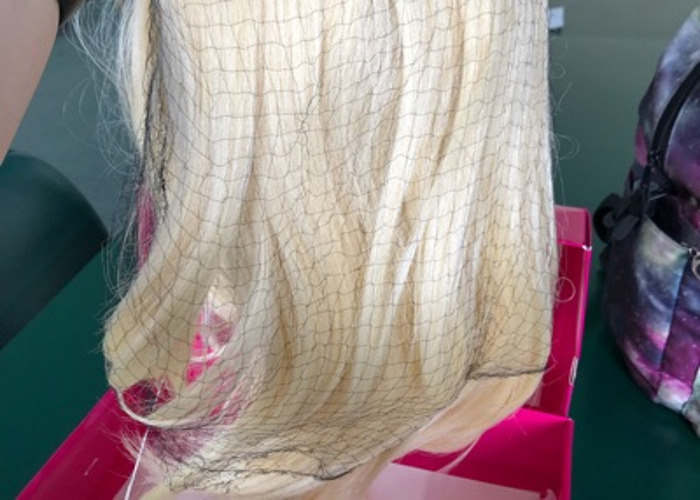 Blonde synthetic wig - 2