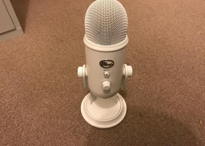 Blue Yetti Microphone - 1