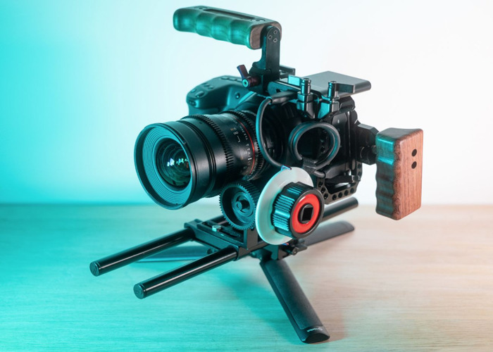 Blackmagic 6K BMPCC Pocket Cinema Cam + 1TB Samsung T5 SSD + Rokinon Samyang Cine Lenses 14/35/50/85 + 6 x Batteries Blackmagic Design Cine - 1