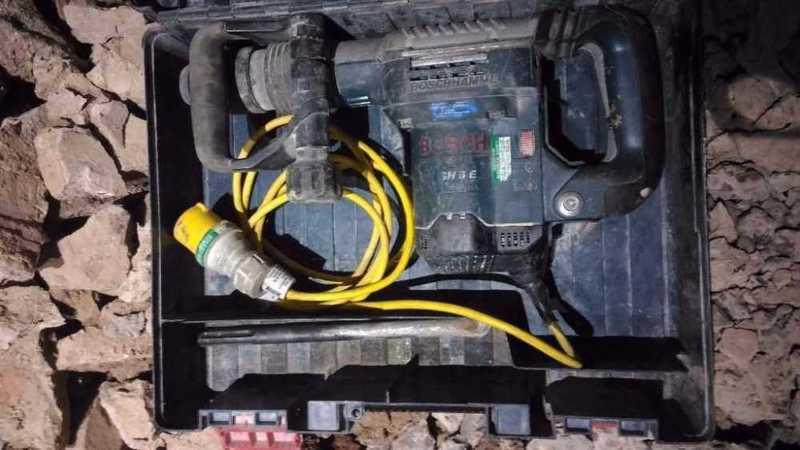 Bosch breaker max-sds 5kg 110v, chisel, 110v transformer - 2