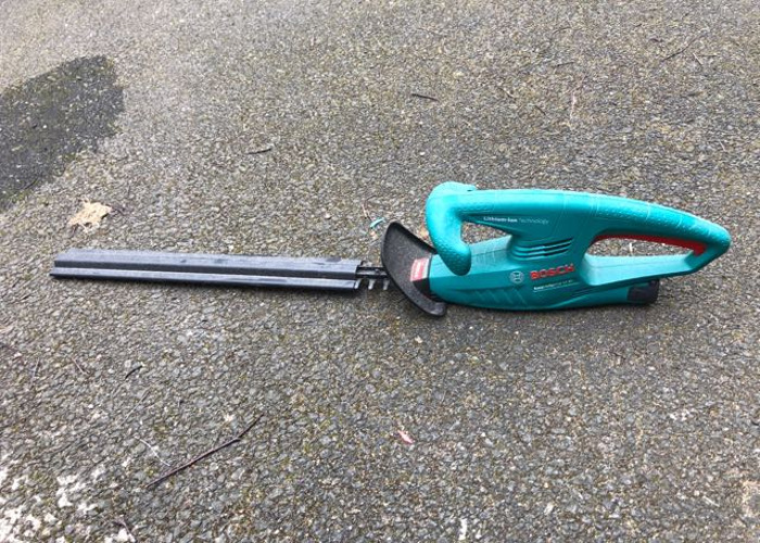 Bosch cordless hedge trimmer - 1