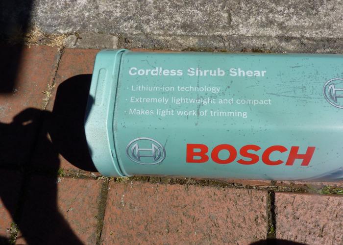 Bosch Cordless Shrub Shear - 2