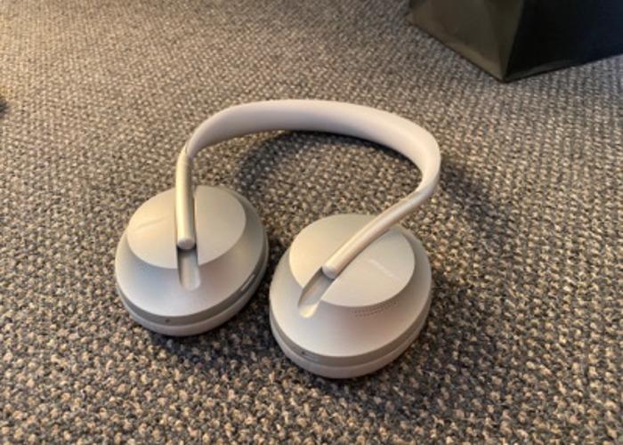 Bose Noise Cancelling 700  - 1