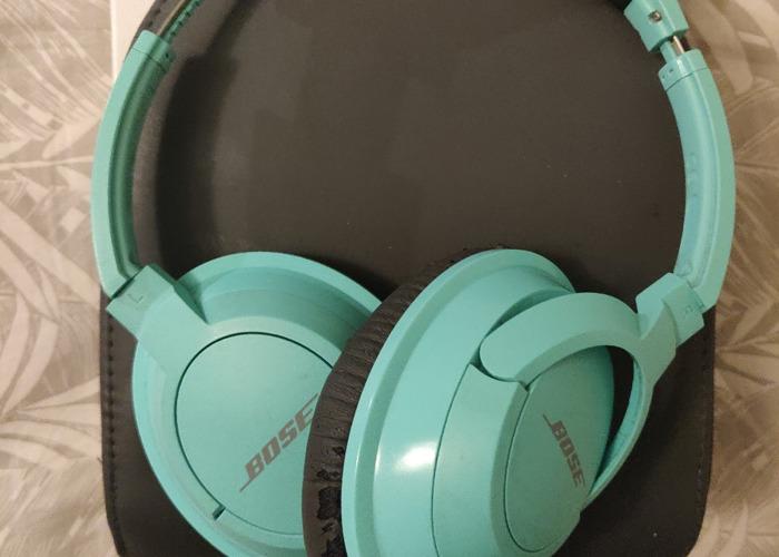Bose Soundtrue AE2 headphones - 1