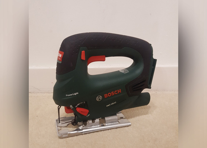 Bosh Jigsaw PST 18 LI with Blades Set, 2 Batteries and Charger - 1