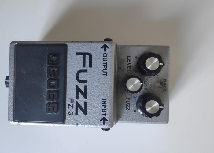 Boss Fuzz FZ-3 MODDED - 1