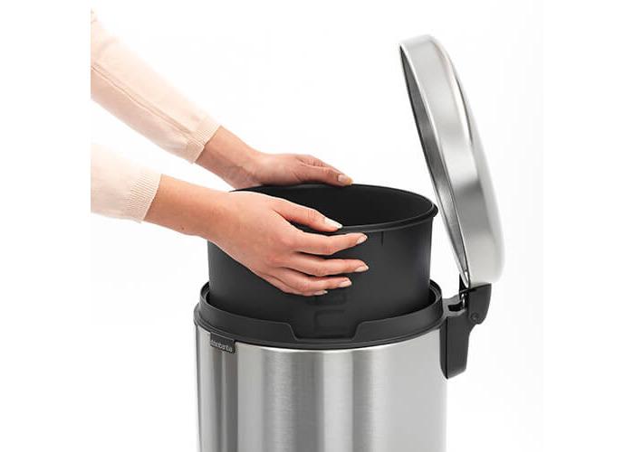 Brabantia Pedal Bin newIcon with Plastic Inner Bucket, 30 Litre - Matt Steel Fingerprint Proof - 2