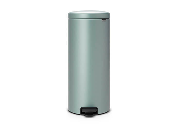 Brabantia Pedal Bin newIcon with Plastic Inner Bucket, 30 Litre - Metallic Mint - 1