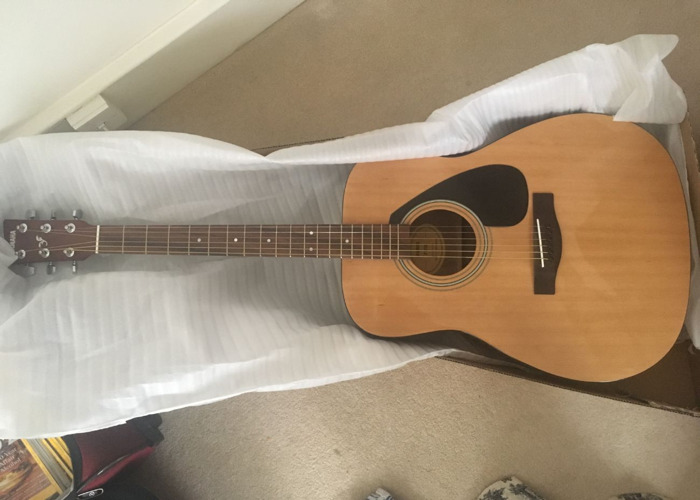 Acoustic Yamaha Guitar - 1