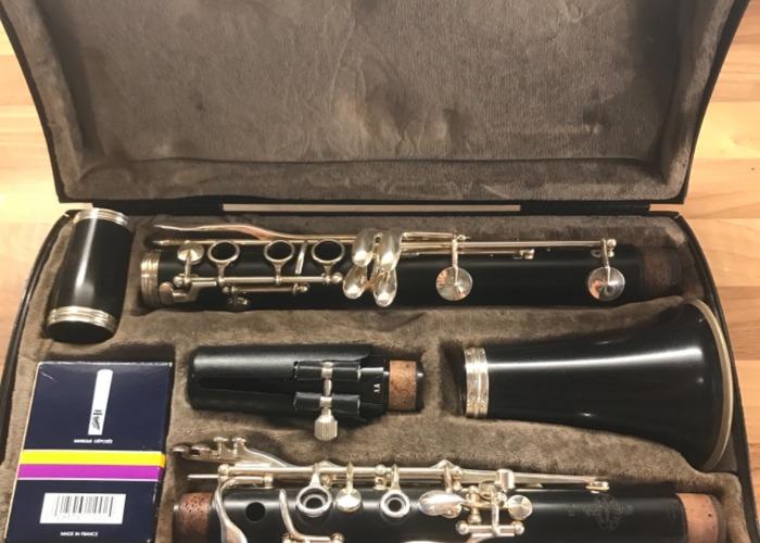 Buffet E11 Clarinet  - 1