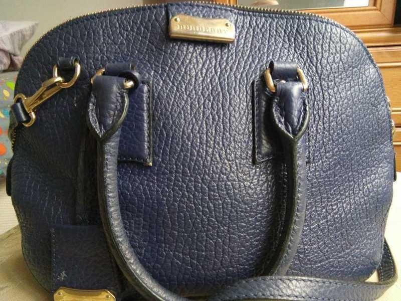 Burberry bag - 1