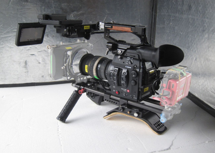 C300 Mark II (EF mount) + accessories - 2
