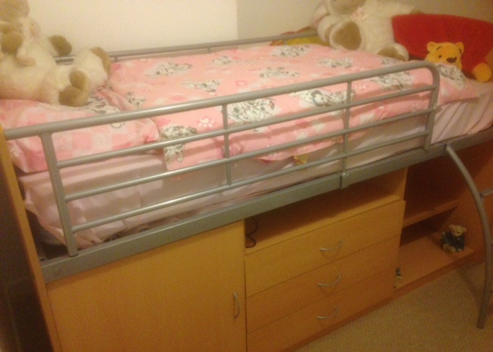 Cabin Bed good condition teak effect - 2