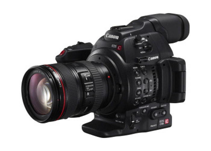 camera operator--video-editor--kit-37679109.jpg