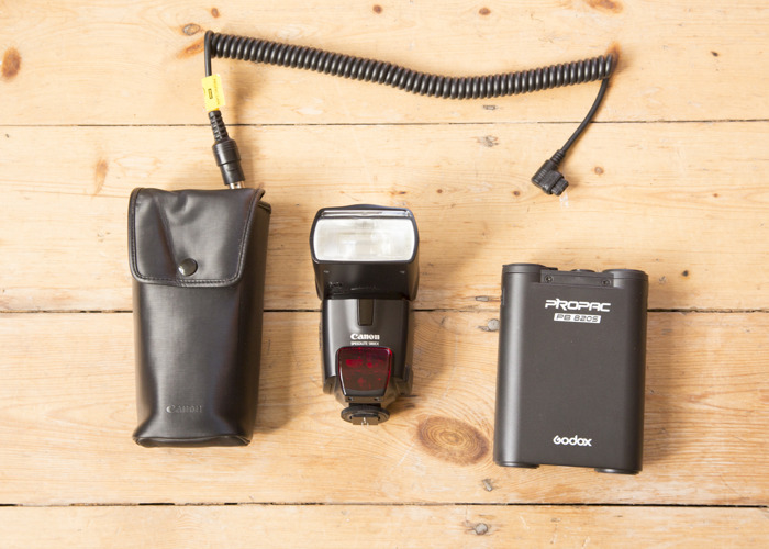 Canon  580 EX Speedlite with Godox Power Pack - 1