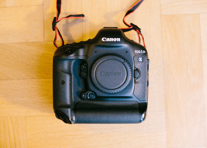 Canon 1DX body with 2x batteries and 32GB CF card - 1