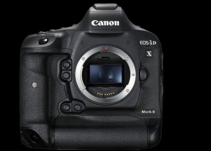 Canon 1DX Mark II + Cfast 256GB + 2 Batteries  - 1