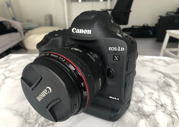 Canon 1dx mark ii DSLR camera with card - 1