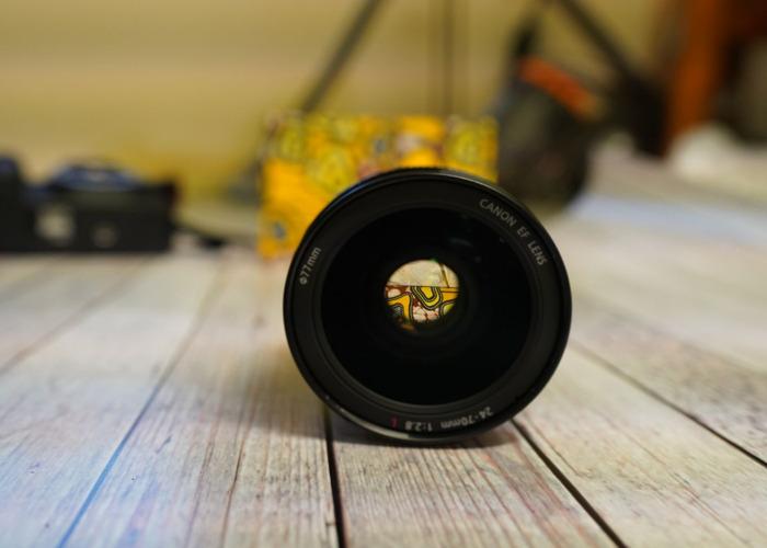 Canon 24-70mm f/2.8 - 1