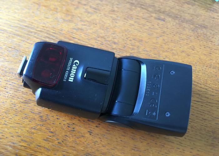 Canon 480EX II Flash gun with diffuser - 2