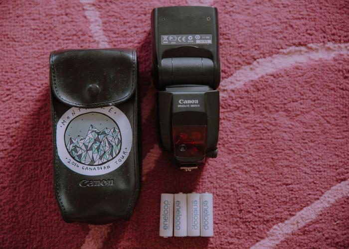 Canon 580EX II Speedlite Flash Unit - 2