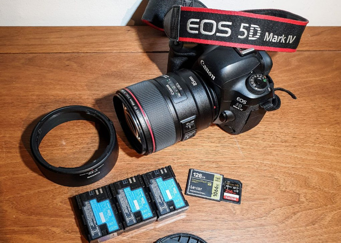 Canon 5D Mark 4 IV  85mm f/1.4L IS USM Lens - 1