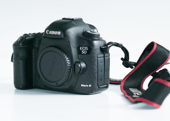 Canon 5D Mark III + Accessories  - 1