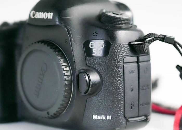 Canon 5D Mark III + Accessories  - 2