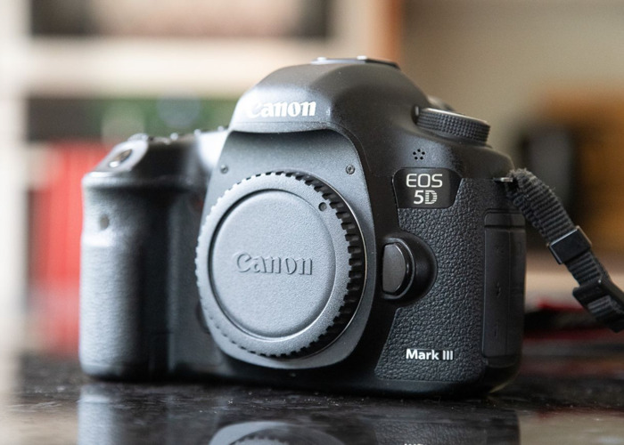 Canon 5D Mark III (Body, Battery & Charger Only) - 1