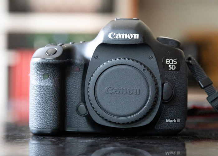 Canon 5D Mark III (Body, Battery & Charger Only) - 2