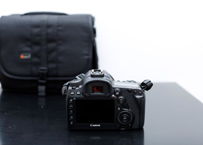 Canon 5D mark MK IV 4 and Canon 70-200mm f/2.8 L IS II USM - 2