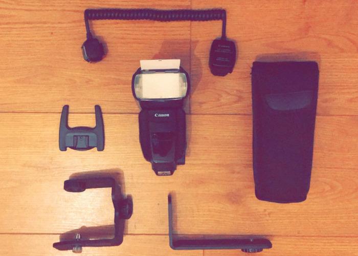 Canon 600 EX-RT + SB-E2 Flash Bracket + Off Camera Shoe Cord - 1