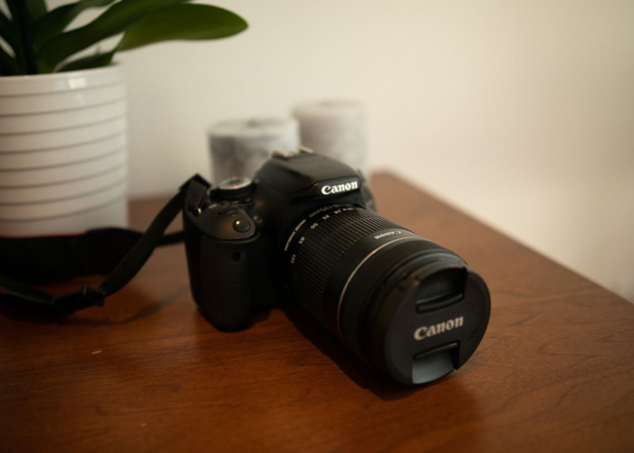 Canon 600D +  EFS 18-135mm  - 2