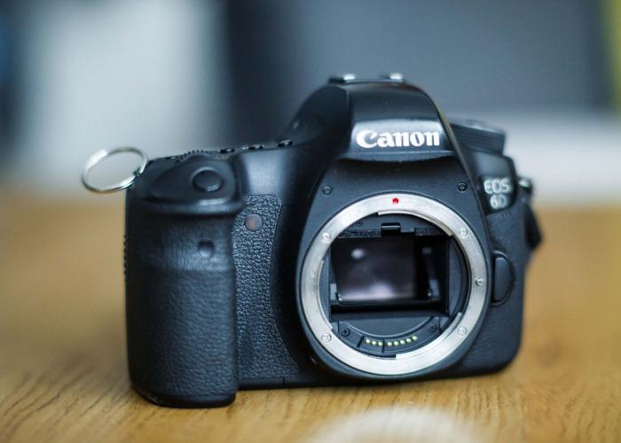 Canon 6d + Battery + 1x32gb SDcard - Fantastic full frame! - 2