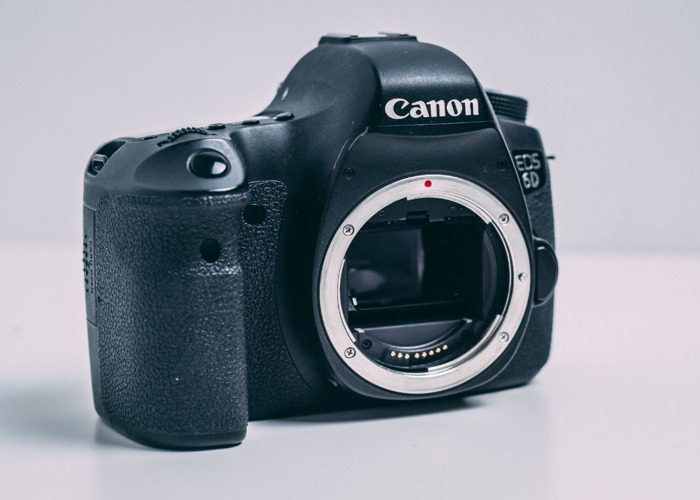 Canon 6D Digital Camera (BODY ONLY)  - 2