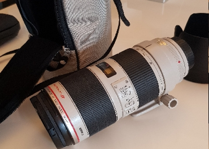 Canon 70-200mm IS II USM 2.8/f - 1
