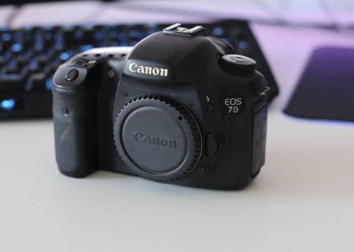 Canon 7D - Body Only - 1