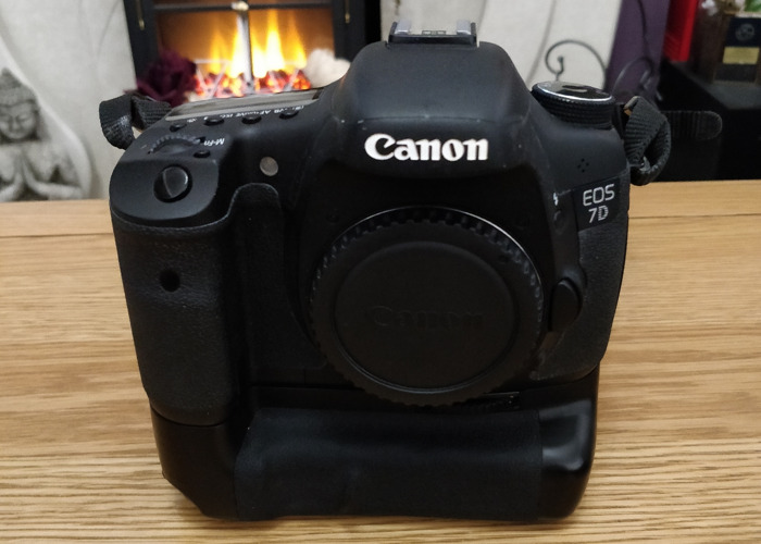 Canon 7d body only - 1