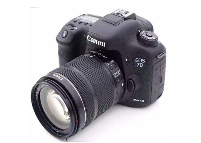 Canon 7D Camera/Video Recorder with lens - 1