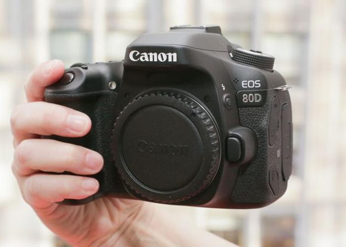 Canon 80D +Lens - 1