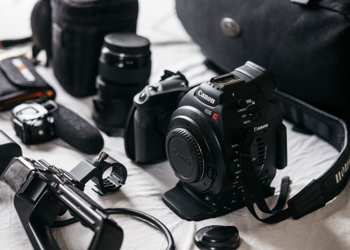 Canon C100 + Sigma 18-35 f/1.8 - Shooting Kit - 2