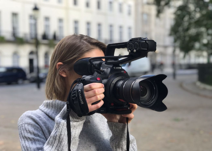 Rent Canon C100 Mkii Kit (mk2) in London | Fat Llama