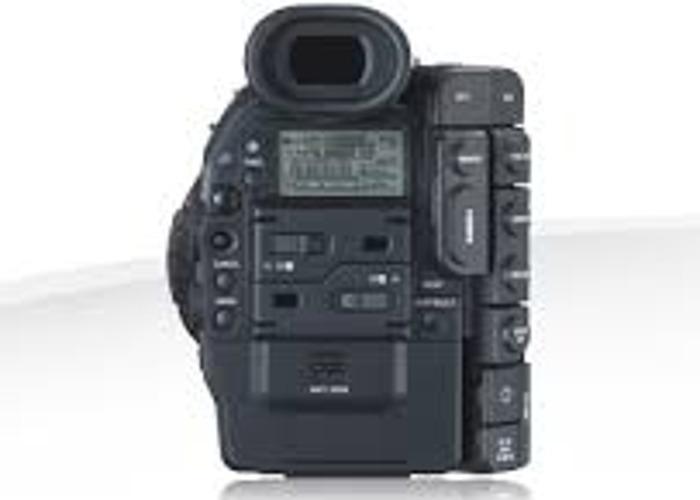 Canon C300 EF Mount - 2