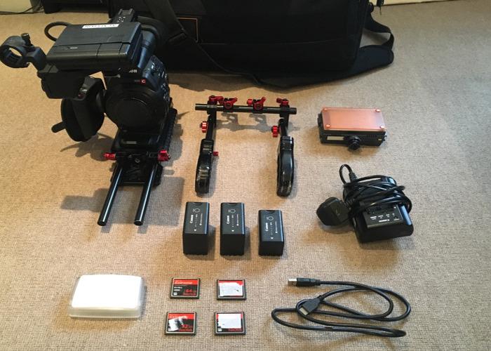 Canon C300 MK I + 1 lens + Samyung Primes - 1