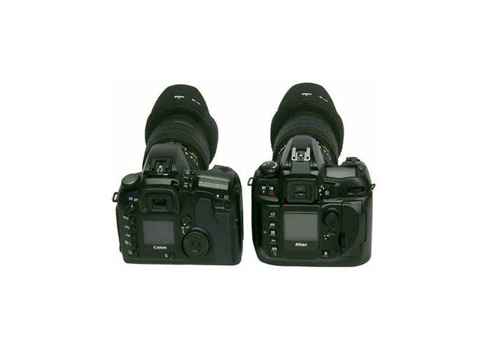 Canon 70D, 2 lenses, batteries, charger, carry case - 1