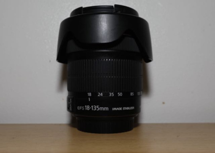 Canon EFS 18 - 135 mm f3.5 - 5.6 IS STM Lens with a pouch - 1