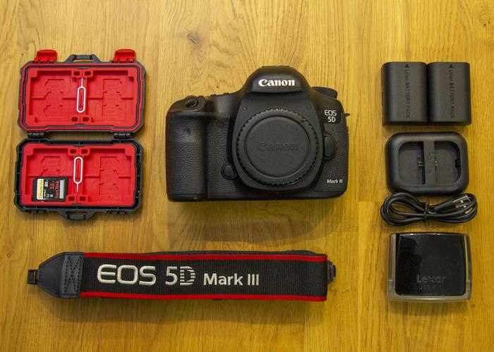Canon EOS 5D Mark III Body Only - 1