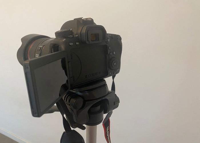 Canon EOS 6D Mark II DSLR Camera with EF 24-105mm USM Lens  - 2